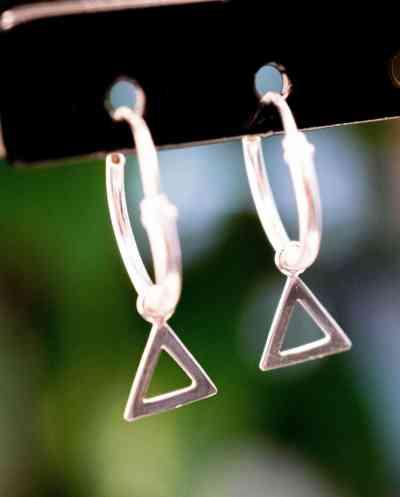Sterling Zilveren 'Triangle Hoops' oorbellen