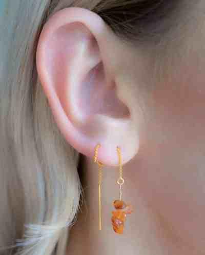 Handgemaakte Gouden oorbellen met oranje-bruine edelsteen 'Carneool'