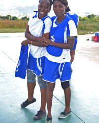 PS-KCN-Netball-players-@-MUST
