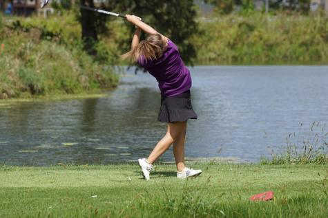 Girls' golf qualifies for state