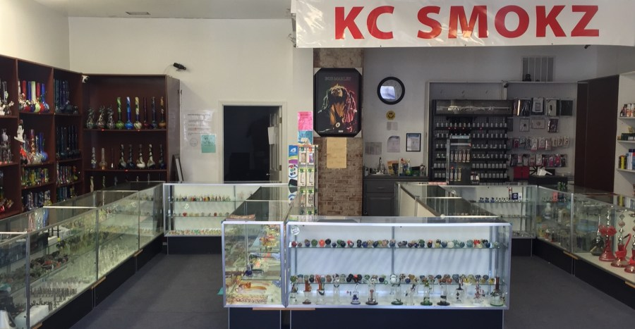 Westport-smoke-shop-glass-pipes-Kansas-City