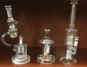 dab-rig-pipes-in-Kansas-City-Westport