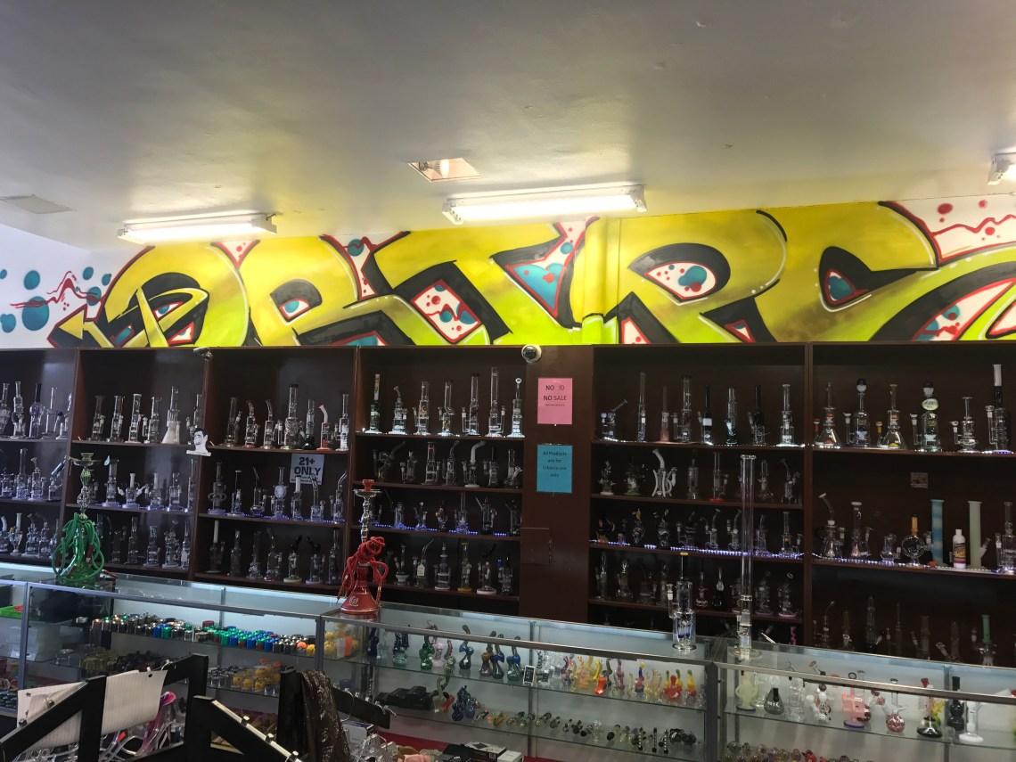 glass-pipes-vaporizers-ecigarettes-vape-shop-smoke-shop-Kansas-City-Westport
