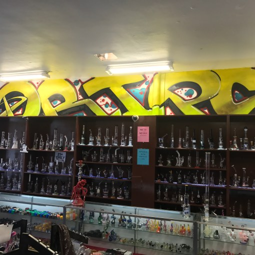 glass-pipes-vaporizers-ecigarettes-vape-shop-smoke-shop-Kansas-City-Westport