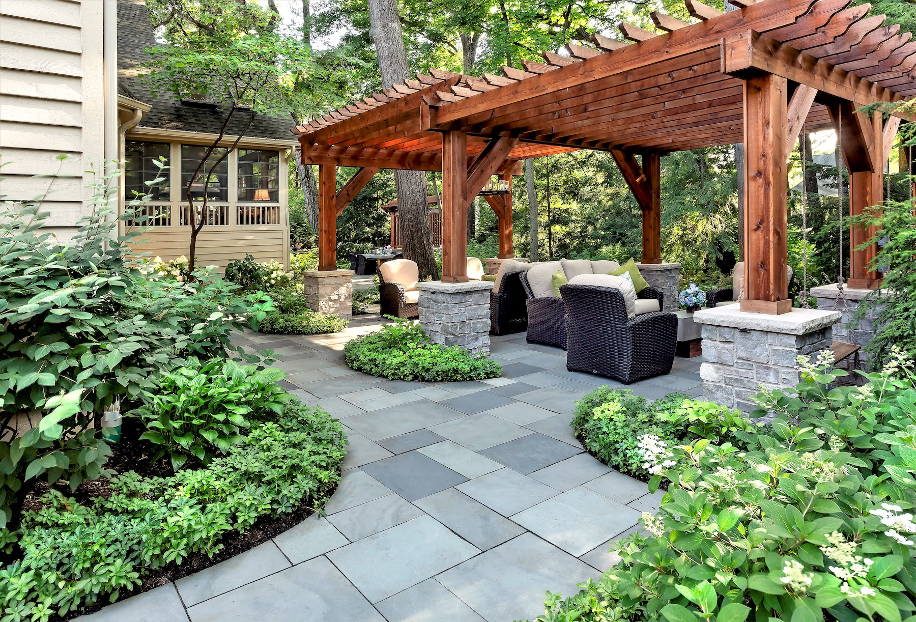 how much does it cost to install a bluestone patio in greater chicago