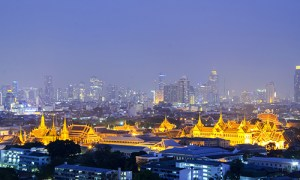 Rent-pocket-wifi-Bangkok-Night