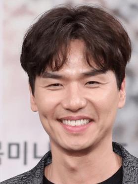Kim Tae-hoon, 46 (Navillera)