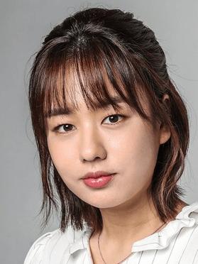 Ahn Eun Jin, 30 (Hospital Playlist)