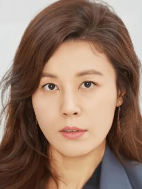 Kim Ha Neul, 43 (18 again)