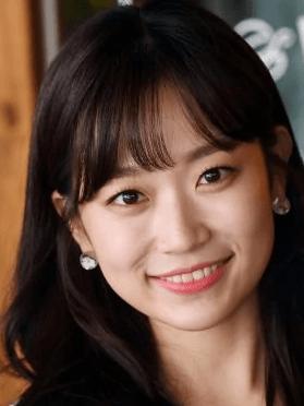 Kim Seul Gi, 30 (Splash Splash Love)