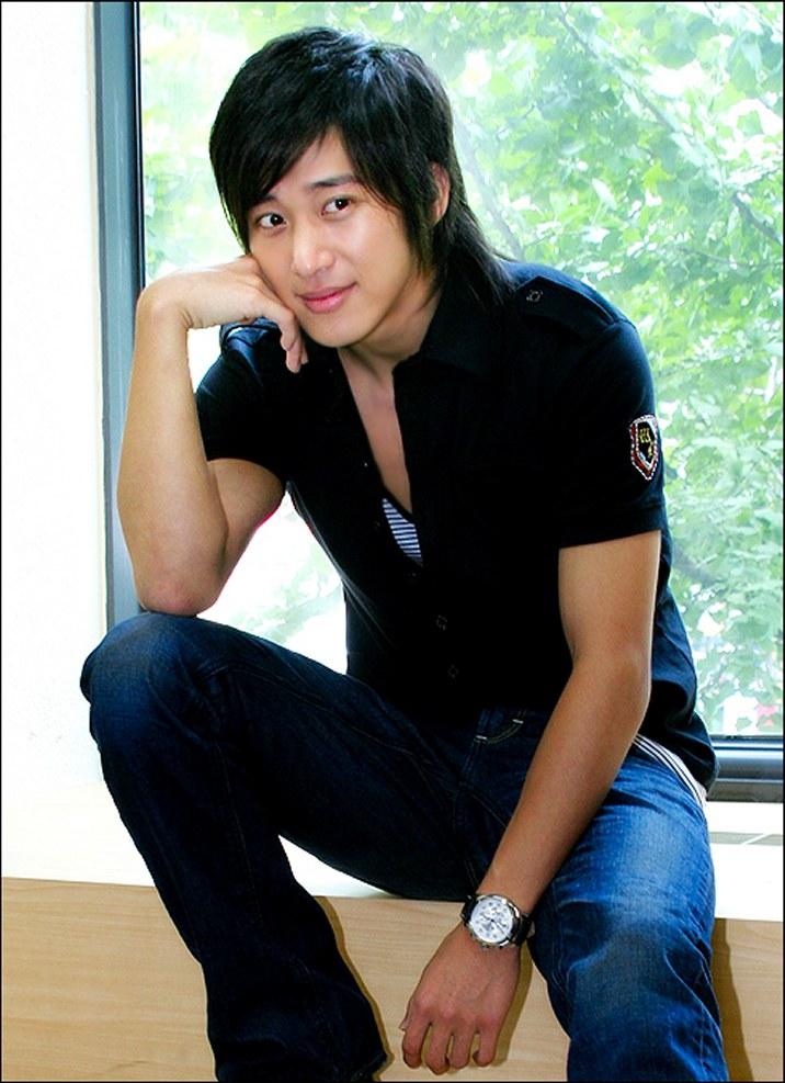 Korean Actor Lee Wan Picture Gallery