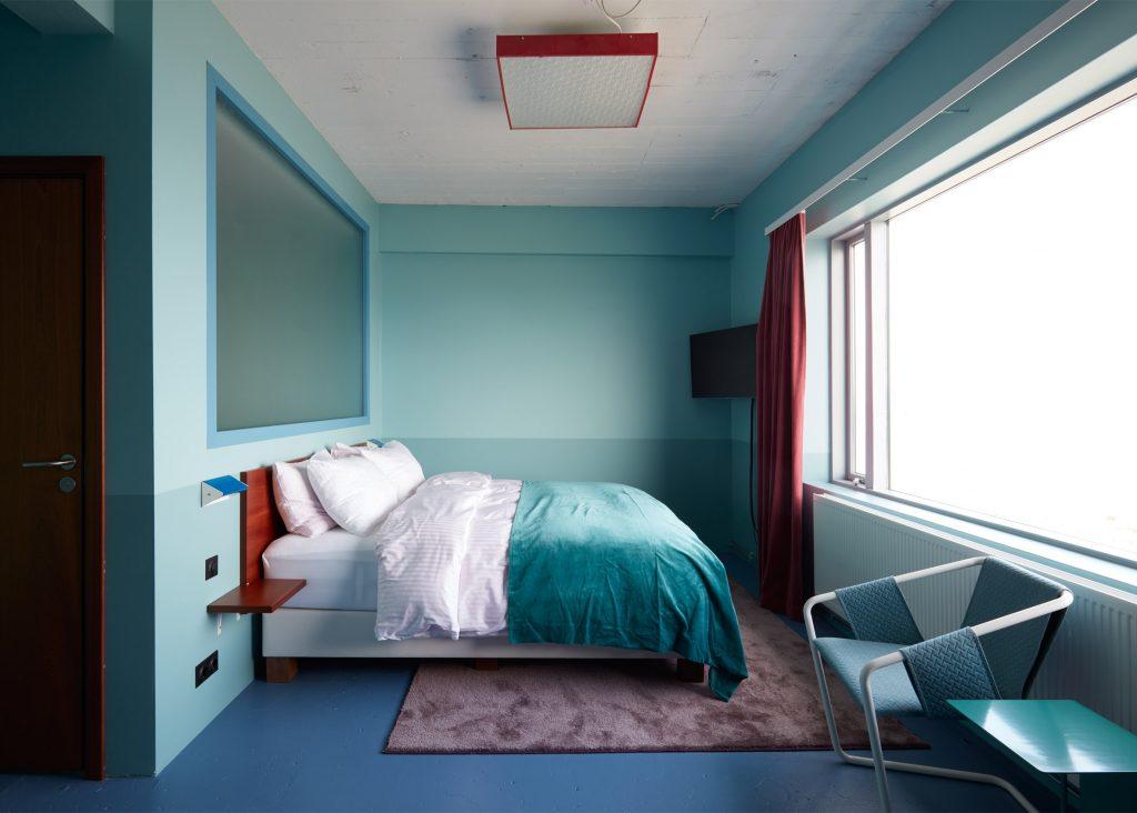 oddsson-hostel-reykjavik-doolur-iceland_dezeen_2364_ss_18-1024x732