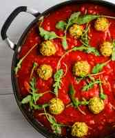 chickpea meatballs in marinara sauce