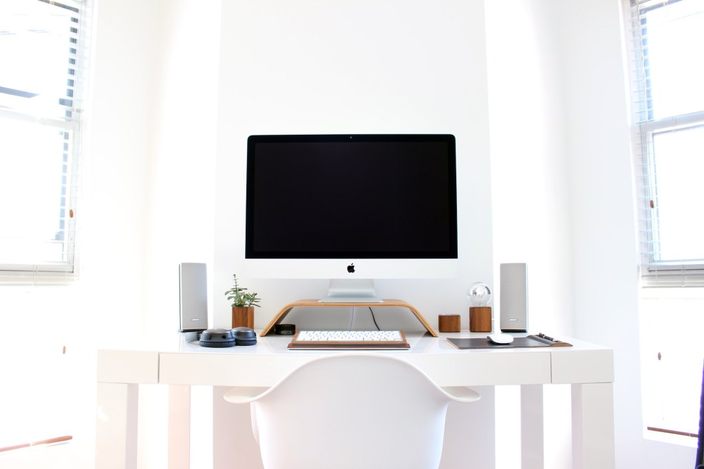 Working remotely from home, work from home tips, How to work remotely. How to be successful working remotely. Work remotely from home
