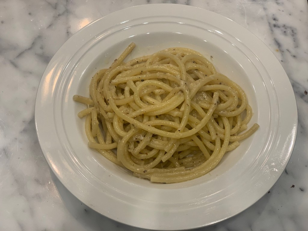cacio e pepe recipe, fast easy recipes with few ingredients, easy dinner recipes with few ingredients