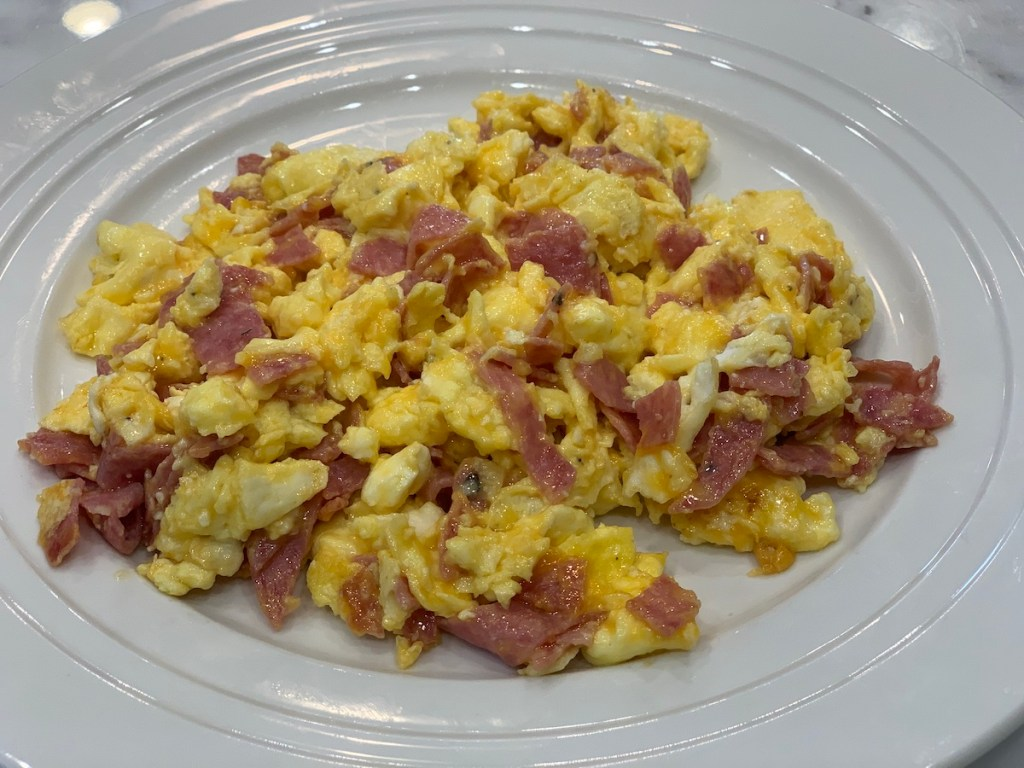 scrambled eggs and salami recipe. easy breakfast recipe