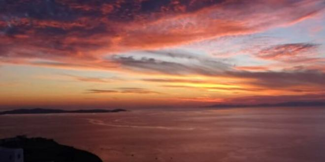 Most amazing sunset on Mykonos: When nature paints with magnificence (video)
