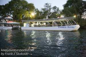 zimbabwe-victoria-falls-zambezi-river-41
