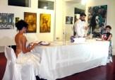 Άποψη της έκθεσης ΔΡΩΜΕΝΑ ΤΕΧΝΗΣ στον ΦΛΟΙΣΒΟ - art & fashion installation by PoshFashion