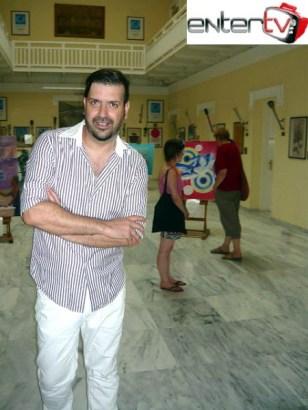 Ο Μιχαήλ Ρωμανός στην αίθουσα του Μουσείου του Καλλιμάρμαρου Σταδίου (2)