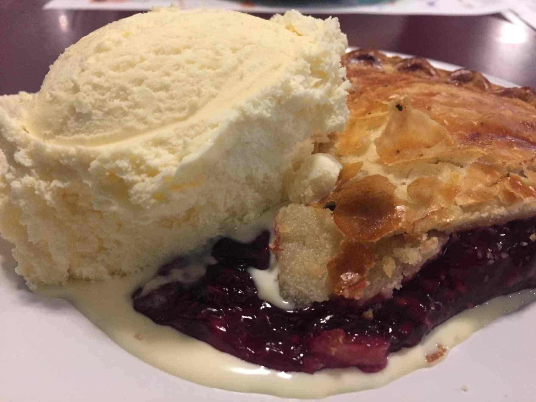 pie a la mode at Kenny Ray's