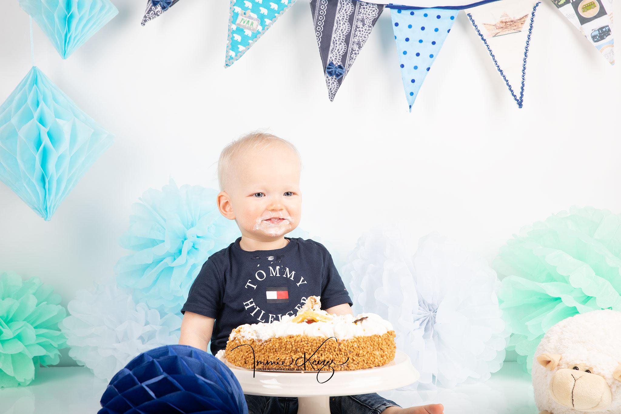 cakesmash fotoshoot baby eerste verjaardag jongen