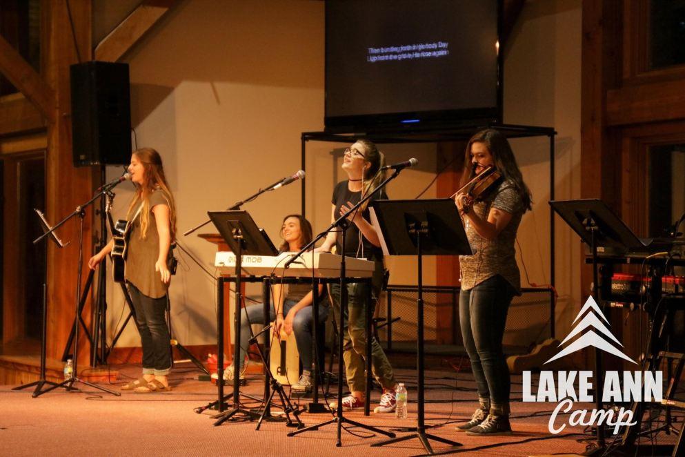 the-band-at-lake-ann