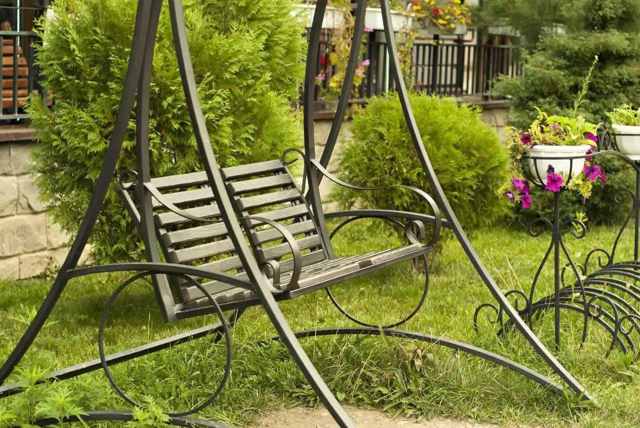 7 IDEAS FOR CREATING COZY GARDEN NOOKS | Kellogg Garden ... on Backyard Nook Ideas id=39911