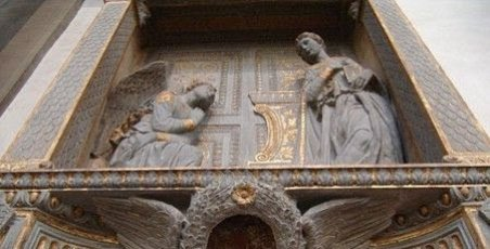 View from below of Donatello's Annunciation