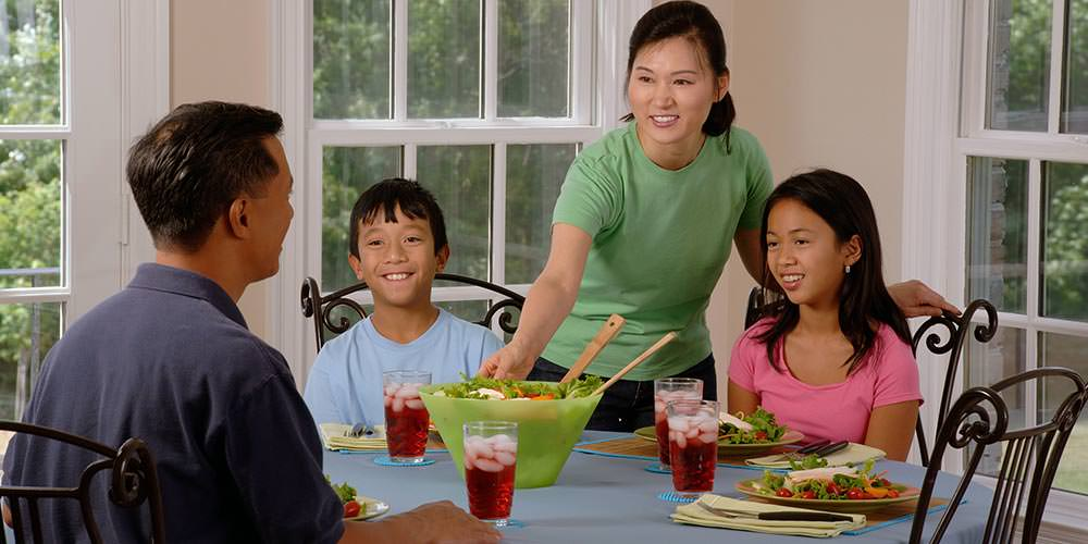 Pass the Peas Not the Screens; 5 Tips for Improving Mealtime