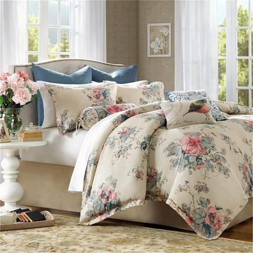 Bedroom Theme Ideas for Women
