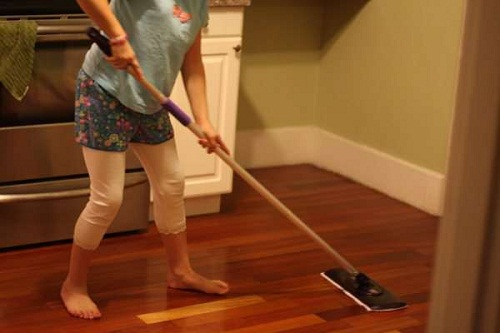 How to Clean Laminate Floors Naturally