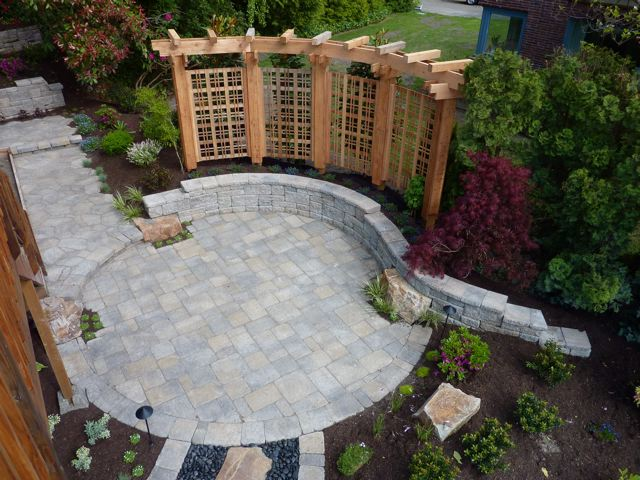 Backyard Designs Using Pavers - Home Design Tips on Yard Paver Ideas  id=11188