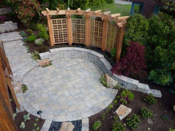 Backyard Designs Using Pavers