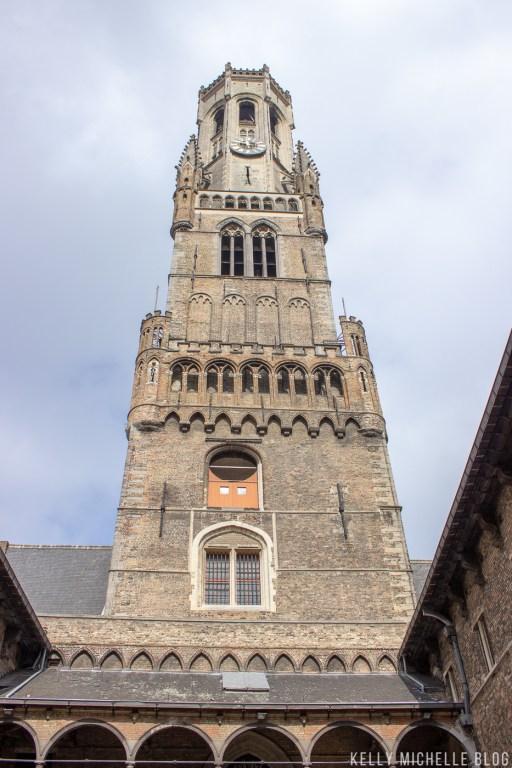 Walking tour through Brussels.