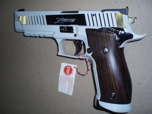 """Sig Sauer X5 """"Riviera"""" - 9mm"""