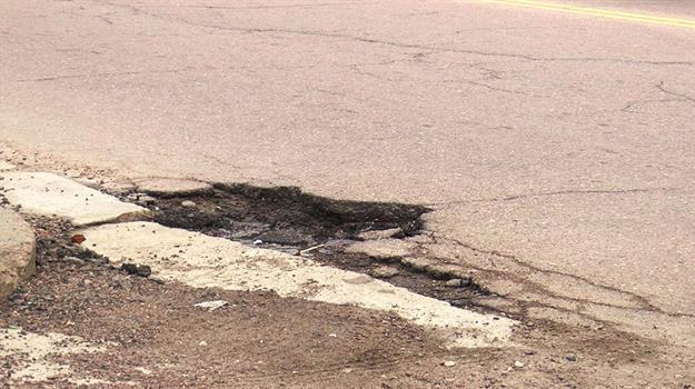 potholes0c8d28e506ca6cf291ebff0000dce829_738428550621