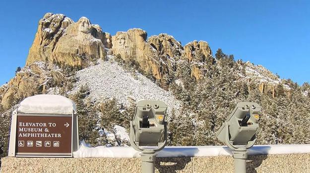 mount-rushmore-monument-south-dakota_956157540621