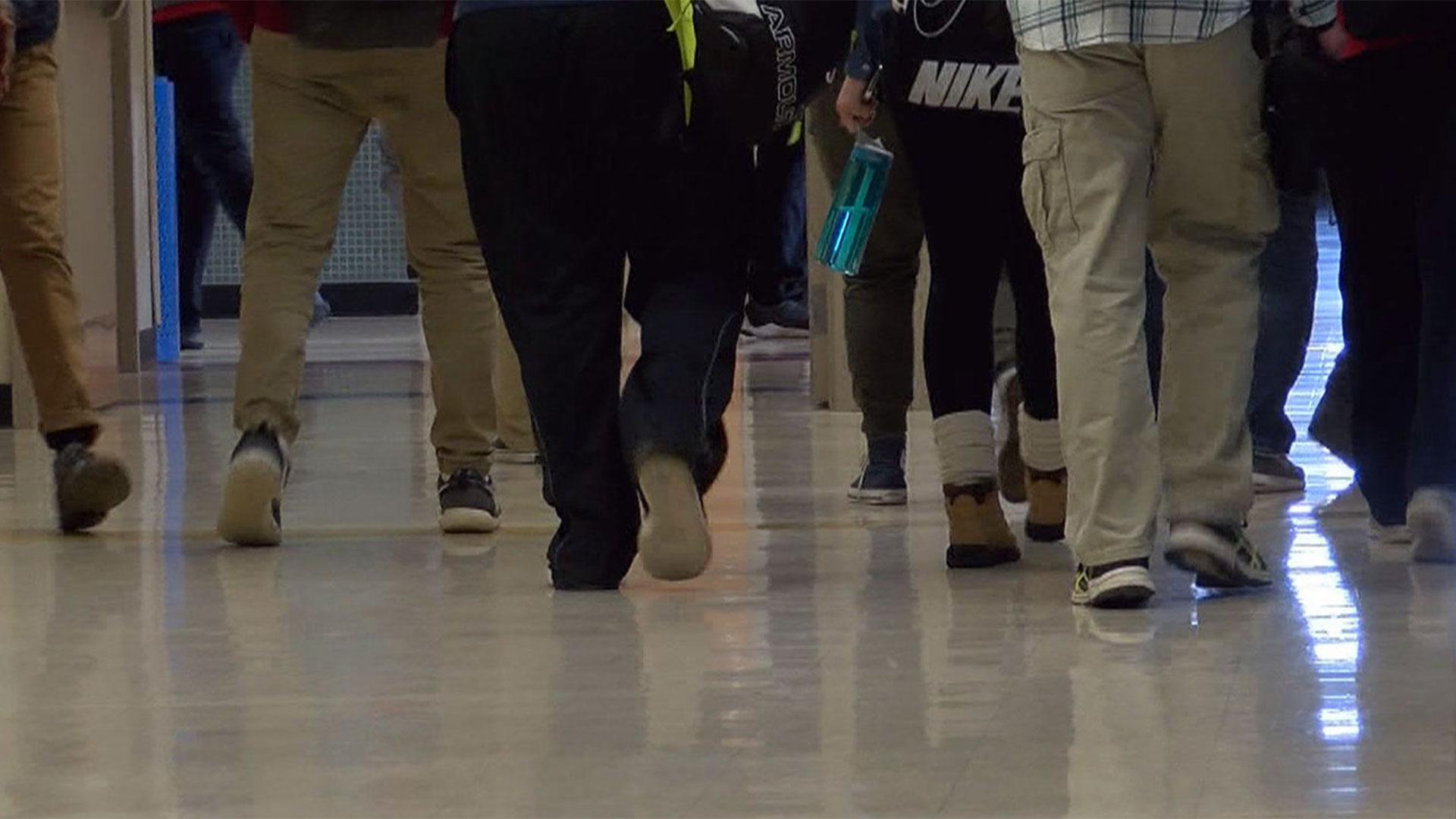 KELO Lincoln High School hallway students