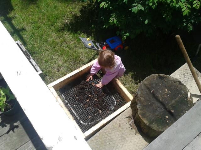 Rayleigh sifting compost