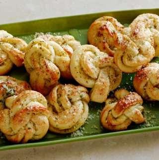 Buttery Garlic Herb Knots