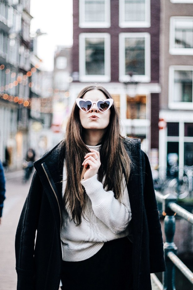 How to Make Any Outfit Look More Expensive, Winter Style, Midi Skirt, Chicwish, J. Crew Cocoon Coat, Black and White, White Boots, Mango, Winter Outfit, Banana Republic, J. Crew, Style Inspiration, Amsterdam, American in Amsterdam, Kelseyybarnes