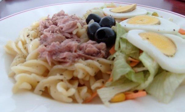 Salada Atum, Salat Tuna Enak di Lisbon