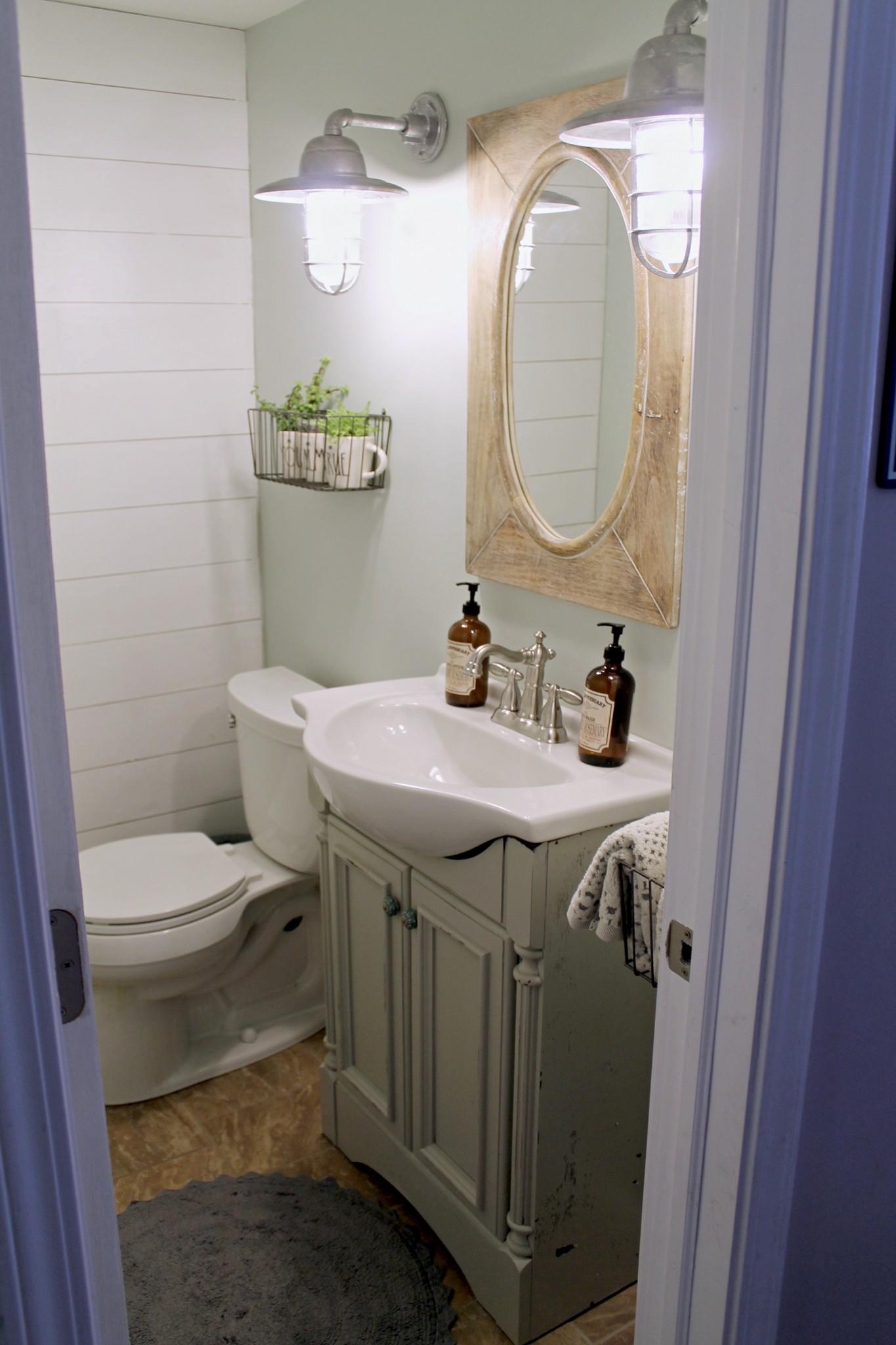 Industrial Farmhouse Bathroom Makeover on Farmhouse Bathroom  id=91455