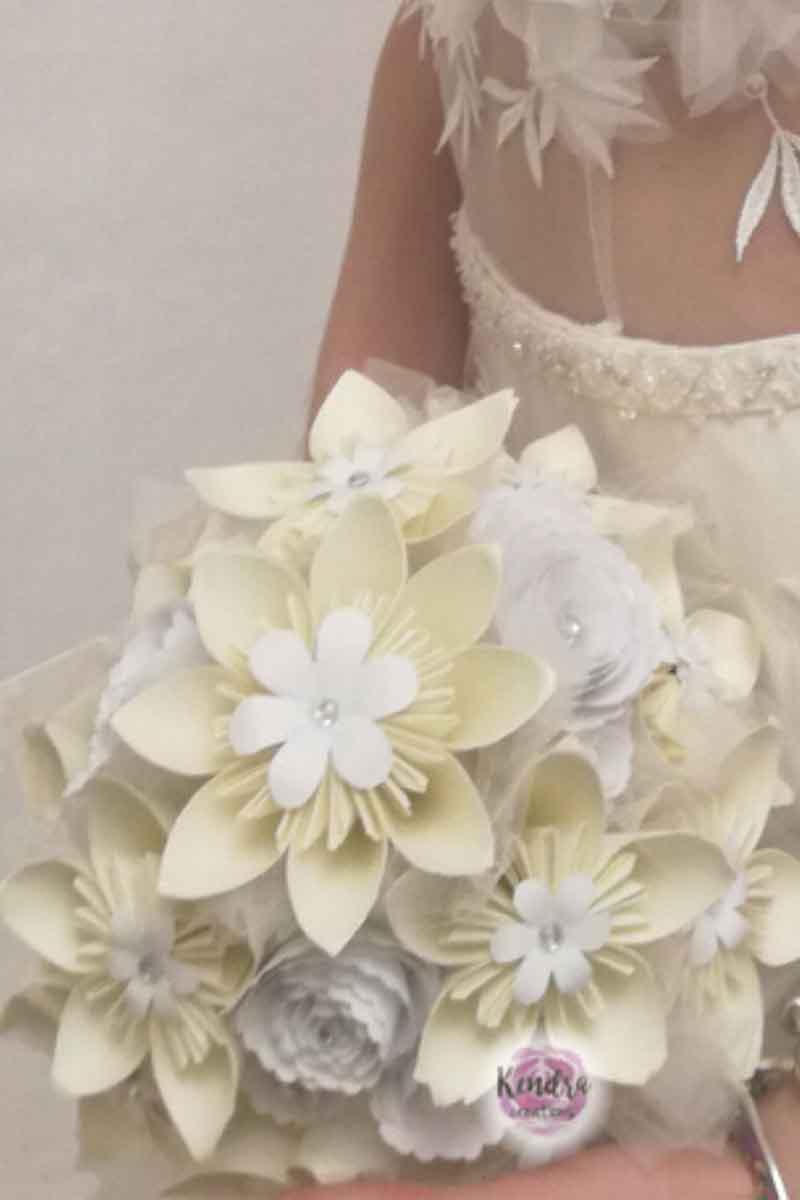 Bouquet Sposa Di Carta.Un Bouquet Di Carta E La Scelta Migliore Per Il Tuo Matrimonio Bouquet Sposa Alternativi Bari Kendra Creations