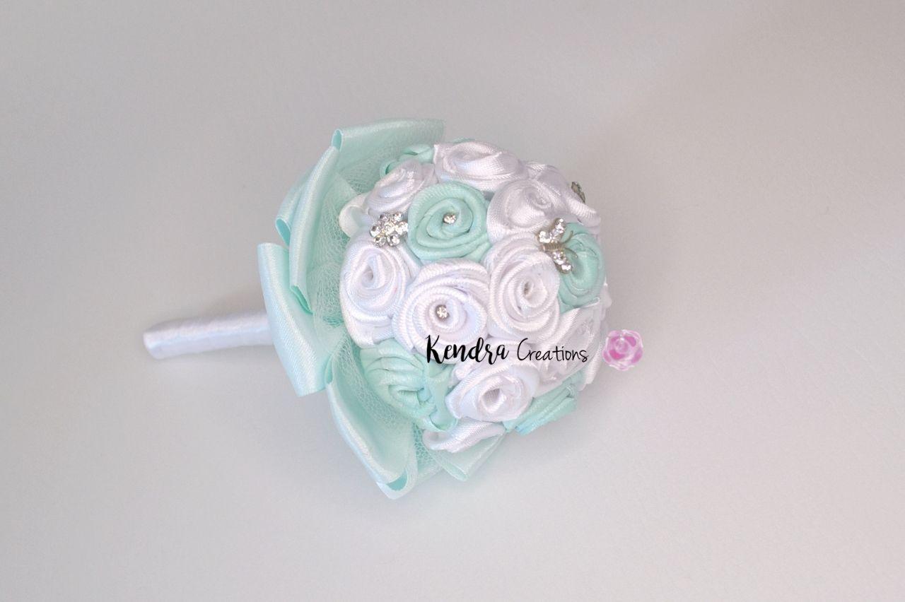 bouquet comunione roselline raso