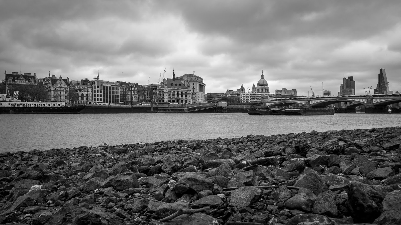 London city scape from the southern banks of the River Thames