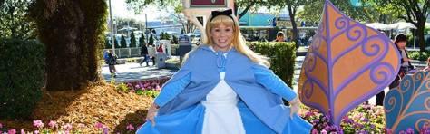 Alice in Wonderland Magic Kingdom meet and greet KennythePirate