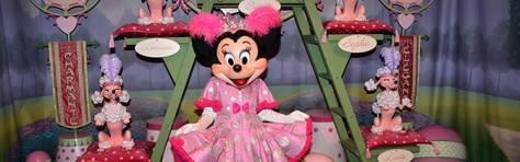 Minnie Mouse Magic Kingdom meet and greet KennythePirate