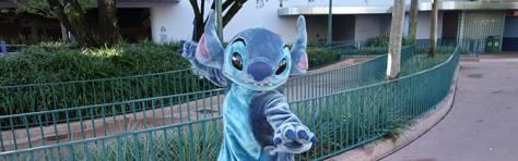 Stitch Magic Kingdom meet and greet KennythePirate